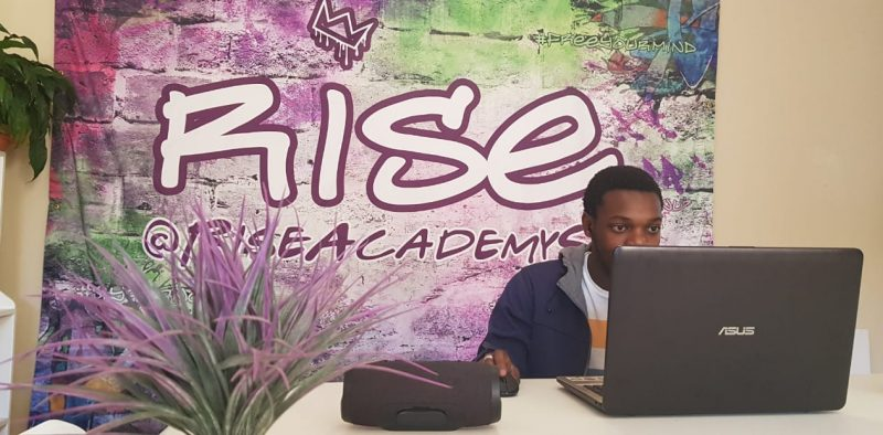 Rise Academy DJ Music Production Perform Stage Class Lesson